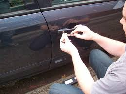 Locksmith Bradford Zero Damage Car Lockout