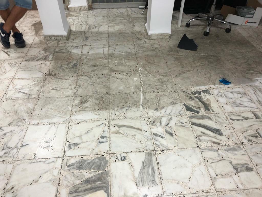 כיצד לנקות נכון רצפות שיש